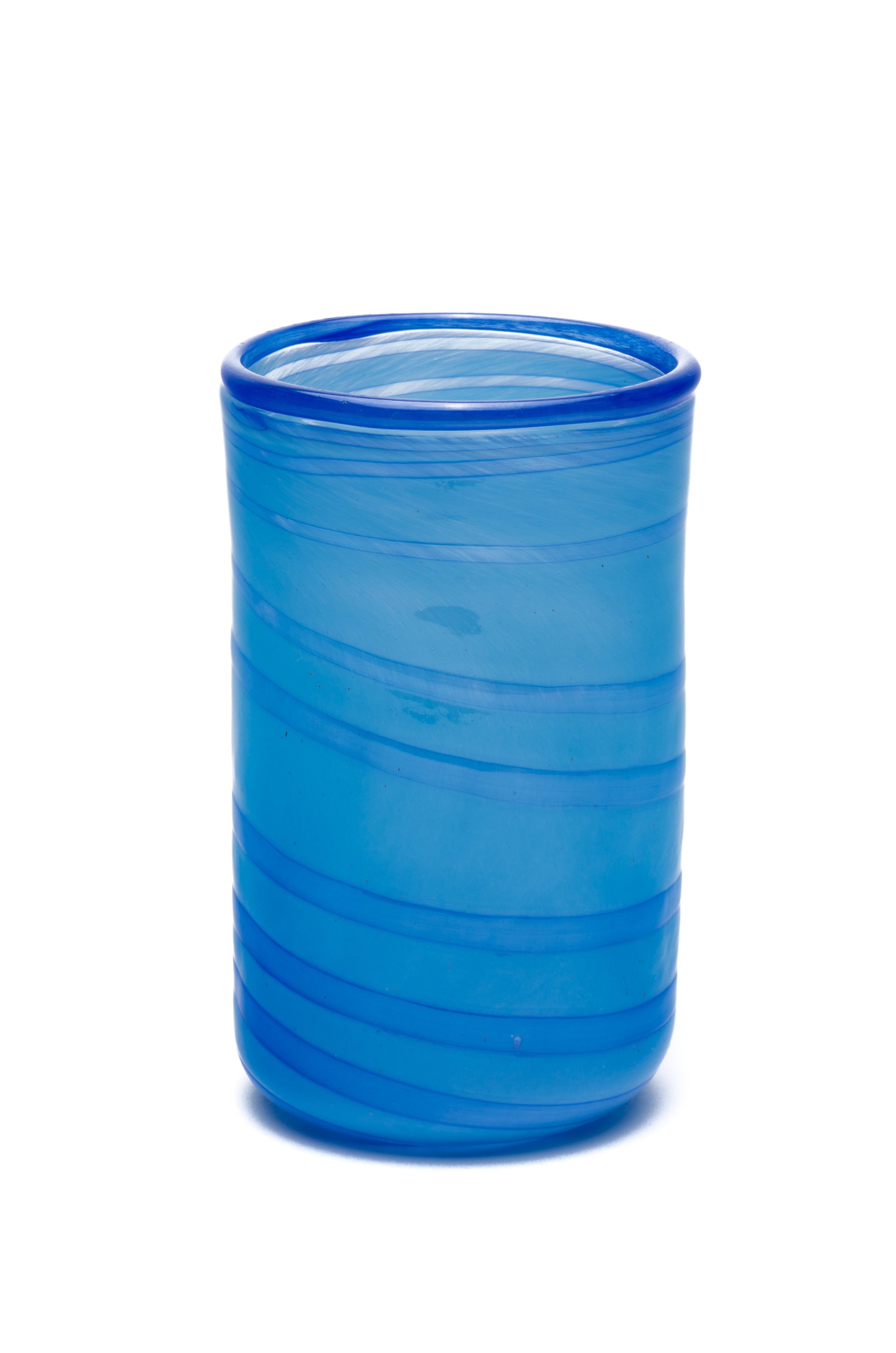 opalazurblå med blå spiral