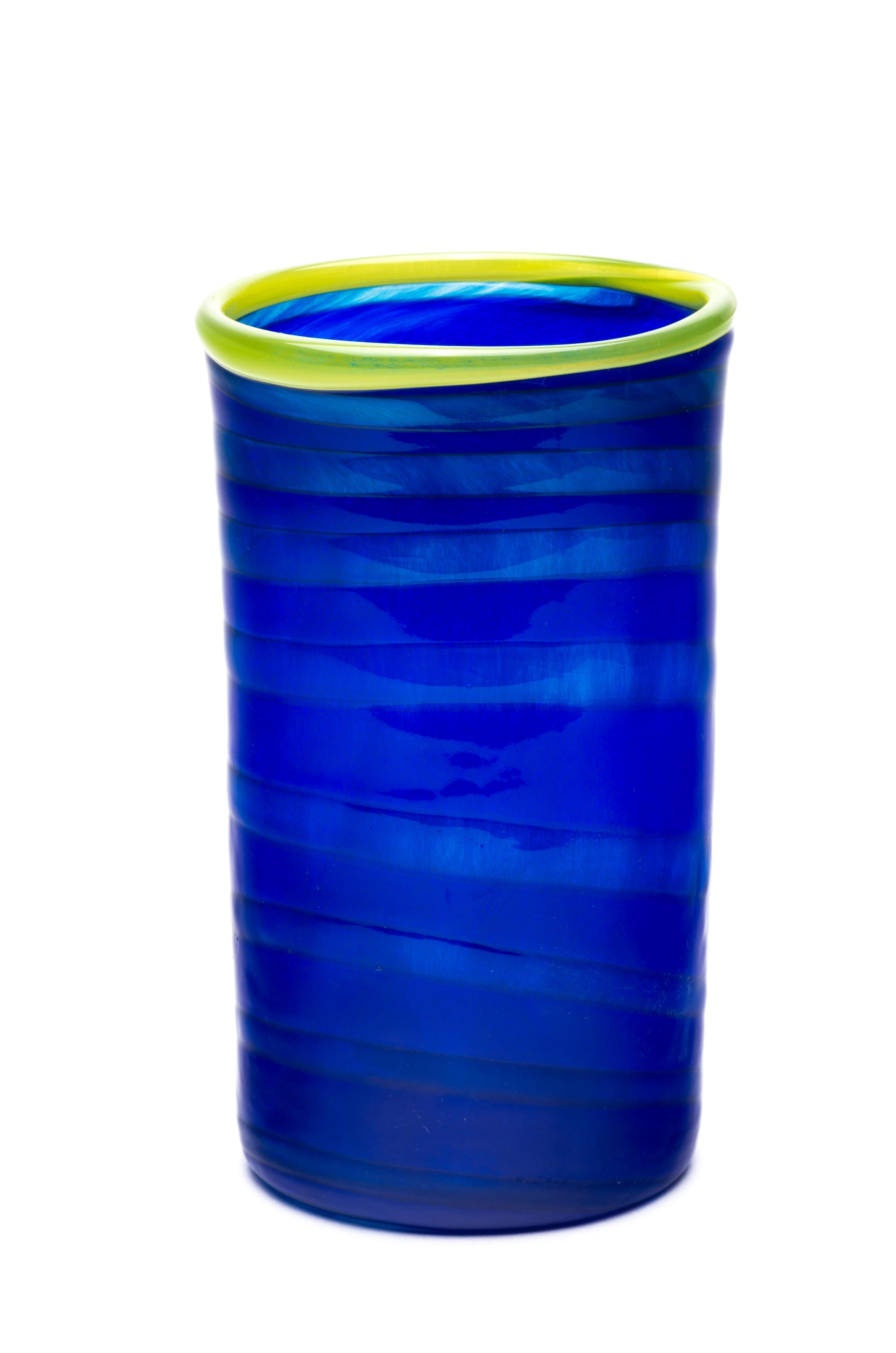 koboltblå med spiral og grønn