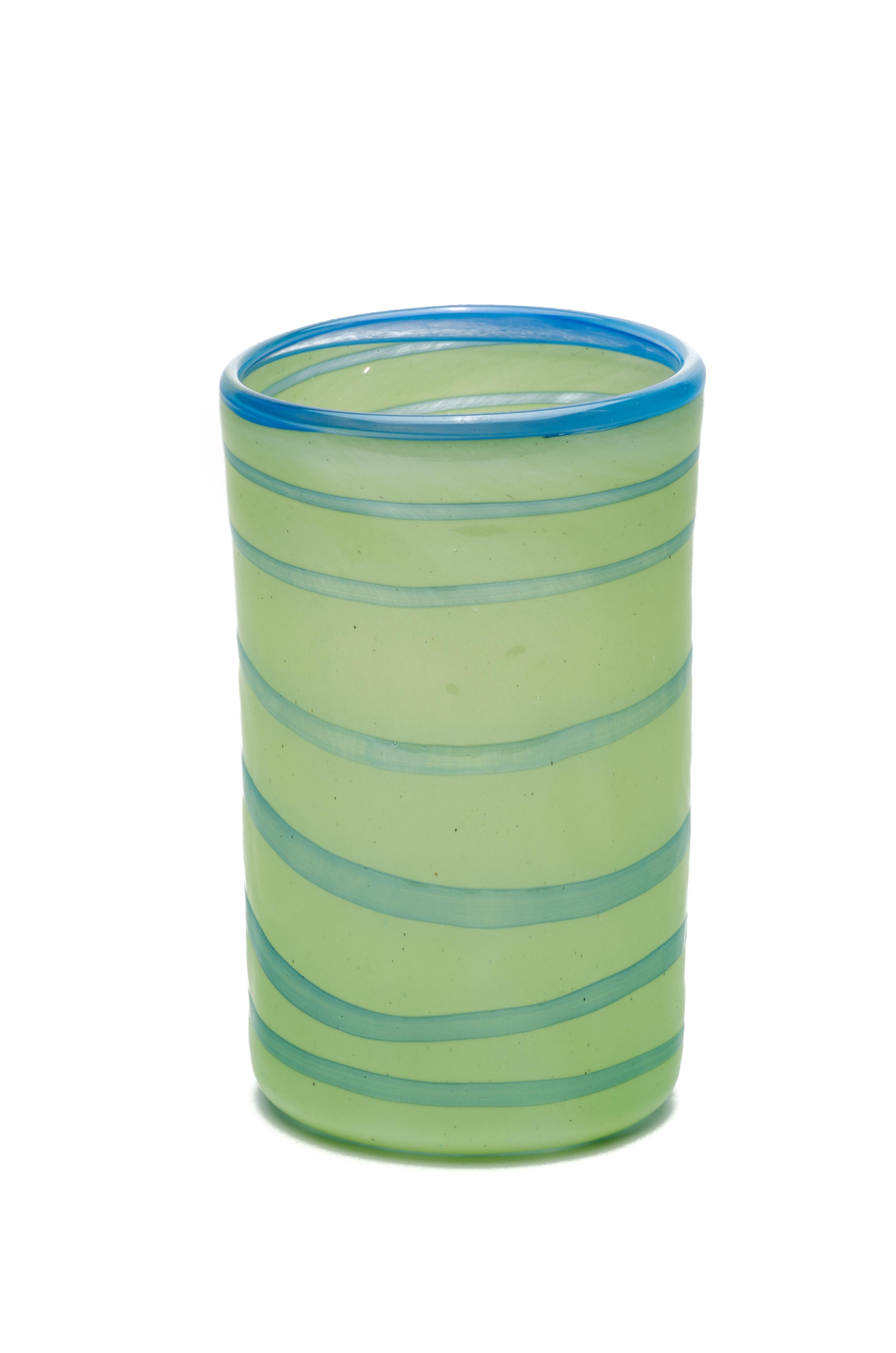 eplegrønn med blå spiral
